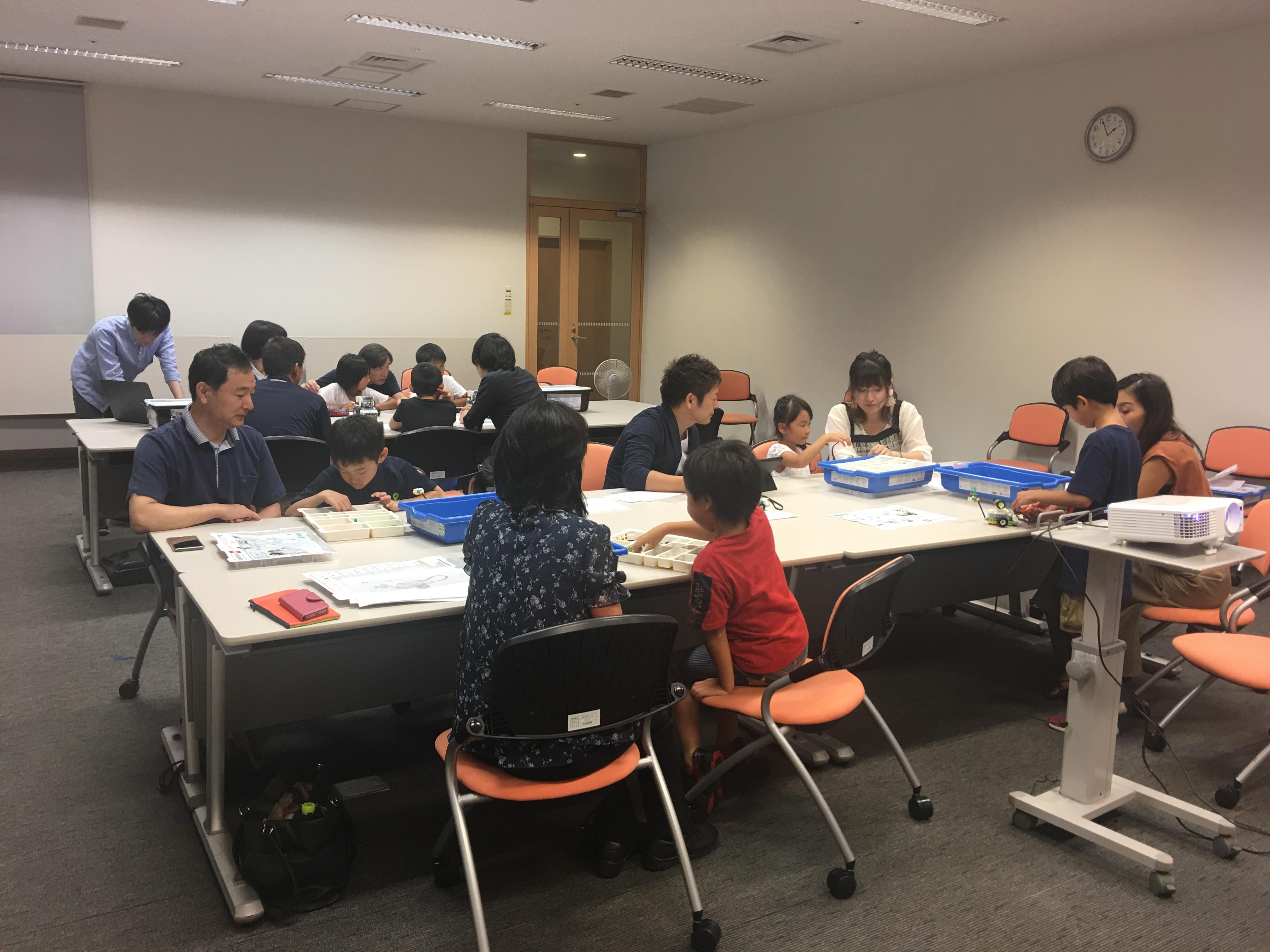01ワークショップ・ラボ こどもプログラミング教室無料体験会を開催しました。